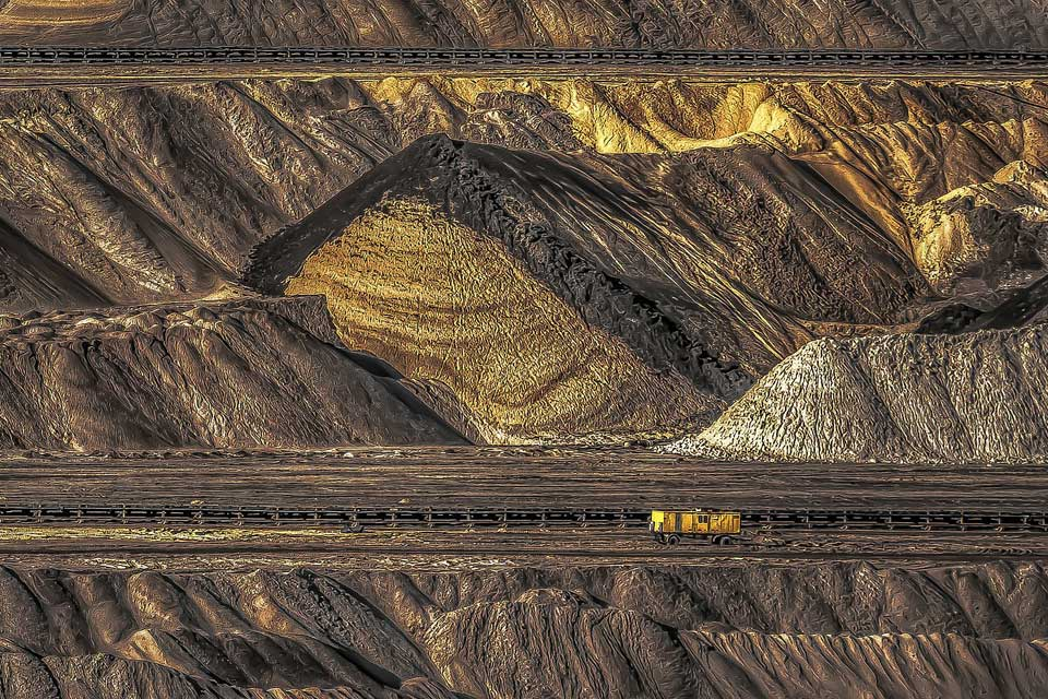 mining industry in Australia welcomes skilled migrants